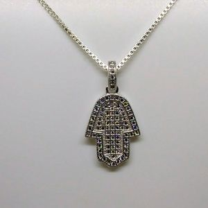 "Jewelry - Sterling Silver Hamsa Pendant on 18"" silver Chain"